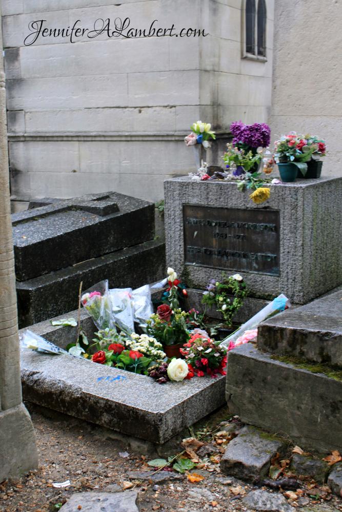 Grave-of-Jim-Morrison