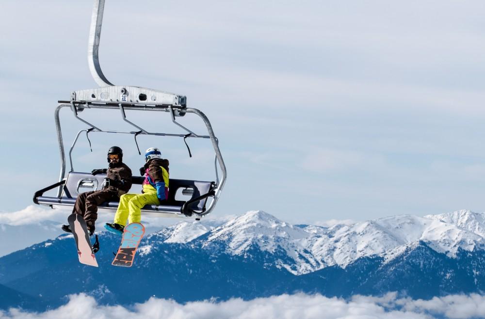planning family ski vacation