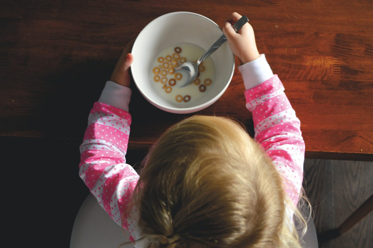 messy toddler eating habits